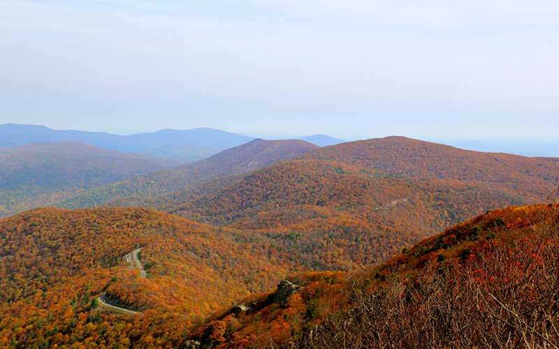 hikes to peak foliage